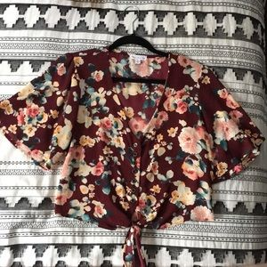 Socialite cropped floral button up tee